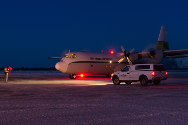 Lynden Air Cargo night delivery to Alaska Airlines