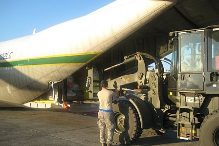 Haiti relief flights - Herc unloading