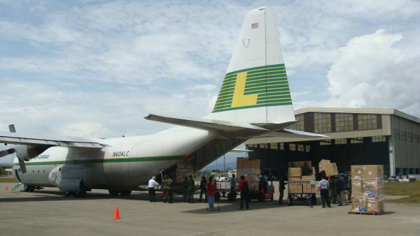Lynden Air Cargo - Samoa relief