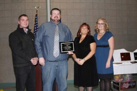 Boyd and Kyle accept Kenai award
